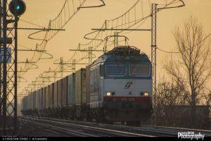 1489141351_e652 con carri container-1600width