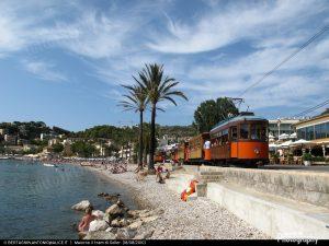 1489253662_FerrocarrildeSoller-tram21-PortSoller-2010-08-18-BertagninA 219-1600width