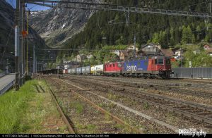 1510596637_Re 620 065 + Re 4-4 11335 Göschenen 26-05-16 2-1920width